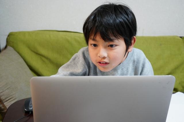 苦手意識をなくして英語力アップ!オンライン英語学童の授業