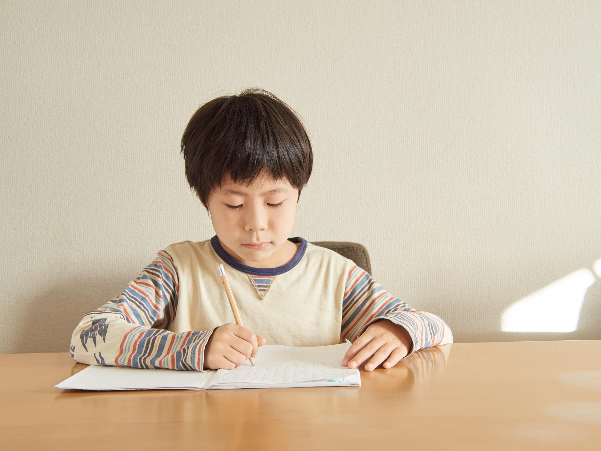 自習タイムで宿題もばっちり!オンライン英語学童の魅力②